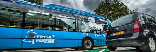 Groene_bus_auto_blokhuisplein1